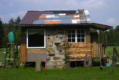 Lloyd's Blog: Tiny building of scrap materials in Germany