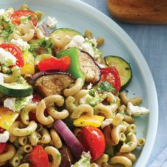Roasted vegetables and goat cheese pasta salad >> This looks delicious!