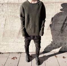 Hype yeezy 350 yeezy season, inspiration, look, great idea 2016 Dark Fashion, Urban Fashion, Mens Fashion, Fashion Outfits, India Fashion, Street Fashion, Yeezy Outfit, Pool Fashion, Men With Street Style