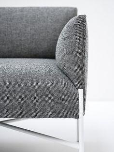 CHILL-OUT 3 seater sofa by Tacchini Italia Forniture design Gordon Guillaumier Design Furniture, Sofa Design, Table Furniture, Interior Desing, Soft Seating, Luxury Sofa, Reclining Sofa, 3 Seater Sofa, Furniture Inspiration