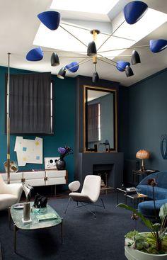 Fantastic example of mid-century interior design // Um fantástico exemplo de mid-century design de interiores