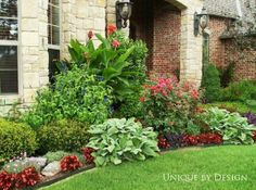 15 Most Beautiful Front Yard Flower Beds Ideas for Shady Yards - Flower Garden İdeas İn Front Of House Full Sun Landscaping, Outdoor Landscaping, Front Yard Landscaping, Outdoor Gardens, Landscaping Ideas, Hillside Landscaping, Landscaping Edging, Front Gardens, Landscaping Software