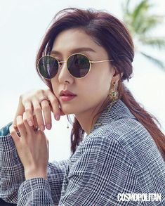 Wow, we were initially shocked to see this first photo of Seo Ji Hye…smiling so sweetly! Asian Actors, Korean Actresses, Korean Actors, Korean Star, Korean Girl, Seo Ji Hye, Best Photo Poses, Effortless Chic, Minimal Chic