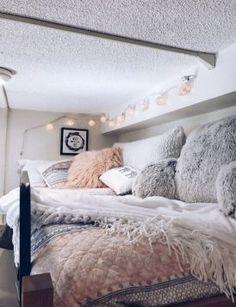 Dorm bedroom ideas dorm room inspiration dorm bedroom ideas with best college room inspiration images on . Small Room Bedroom, Small Rooms, Bedroom Decor, Bedroom Ideas, Wall Decor, Small Spaces, Bed Room, Warm Bedroom, Teen Bedroom