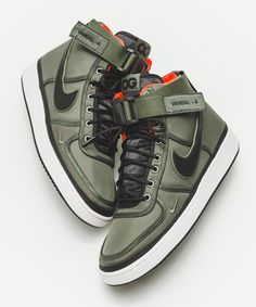 low priced f8f73 fe2bd NIKE VANDAL HIGH OG OLIVE GREEN SATIN TRAINERS 318330 200