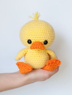 PATTERN: Crochet duck - amigurumi duckling - crochet duck pattern - stuffed toy animal tutorial - PDF crochet pattern