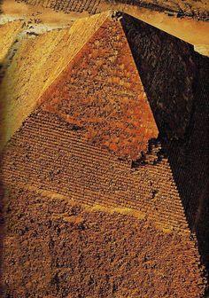 Pyramids at Giza, Cairo. Ancient Egyptian Art, Ancient Ruins, Ancient History, Architecture Antique, Magic Places, Kairo, Great Pyramid Of Giza, Pyramids Of Giza, Giza Egypt