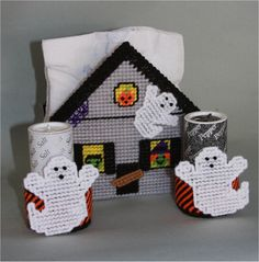 Download Plastic Canvas Patterns | Haunted House Napkin Holder-Plastic Canvas Plastic-Canvas-Kits.Com