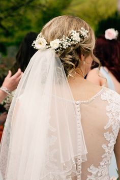 Pretty Pink DIY Village Hall Countryside Wedding - Hairstyles For All Veil Hairstyles, Wedding Hairstyles With Veil, Short Wedding Hair, Wedding Hair Down, Wedding Hair And Makeup, Bride Hair With Veil, Short Hair, Trendy Wedding, Hair Makeup