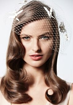 hair+down+wedding+hairstyles,+wedding+hairstyles+for+long+hair+-+all+down+bridal+hairstyle+with+birdcage+veil