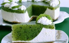 Ingredients for the recipe Kiwi cake For the springform (Ø 26 cm): a bit of grease Baking paper Pastry dough: 125 g We … Baking Recipes, Cookie Recipes, Dessert Recipes, Baking Pan, Food Cakes, Cupcake Cakes, Kiwi Cake, Summer Cakes, Sweet Cakes