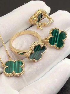 High Jewelry, Cute Jewelry, Modern Jewelry, Women Accessories, Jewelry Accessories, Jewelry Design, Fashion Rings, Fashion Jewelry, Van Cleef And Arpels Jewelry