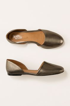 Elegant, feminine open waisted style. Slip-on leather lined pumps with a spongy insole. Beautiful Seasalt colours. Free delivery and returns!