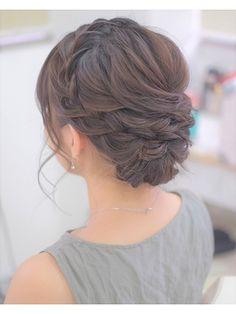 ねじりと丸四つ編みのアップスタイル - 24時間いつでもWEB予約OK!ヘアスタイル10万点以上掲載!お気に入りの髪型、人気のヘアスタイルを探すならKirei Style[キレイスタイル]で。