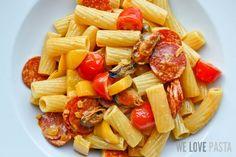 Pasta Mediterranea Piccante: Rezept für Nudeln mit Chorizo und Safran-Sahne-Sauce, ein Geschmacksfeuerwerk!