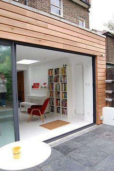 Green Tea Architects - Single Storey Rear Extension - Brockley, London - Like the big single sliding door Door Design, Home, Exterior Cladding, Cedar Cladding, House Exterior, Flat Roof Extension, Wooden House, New Homes, House Extension Design