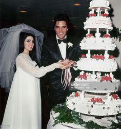 Elvis Presley and Priscilla Presley Marriage Priscilla Presley Wedding, Elvis Presley Priscilla, Elvis Presley Photos, Elvis Presley Facts, Elvis Wedding, Star Wedding, Wedding Day, Wedding Venues, Wedding Story