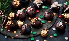 Helpot suklaapallot Resepti | Dr. Oetker Oreo, Pudding, Desserts, Food, Tailgate Desserts, Deserts, Custard Pudding, Essen, Puddings