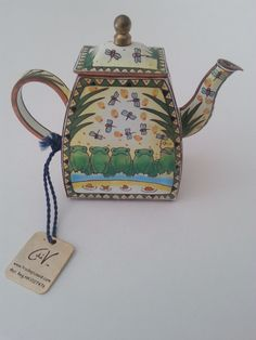 Charlotte diVita Miniature Teapot Enamelled Speckled Frogs Collectible Every teapot is a genuine, numbered edition collectible Enamel Teapot, Tea Kettles, Chocolate Pots, Miniture Things, Doll Houses, Teacups, Cutlery, Minis, Tea Time