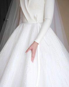 Muslim hijab dress Muslim co Muslim Wedding Gown, Muslimah Wedding Dress, Muslim Wedding Dresses, Long Bridesmaid Dresses, Bridal Dresses, Dresses Dresses, Party Dresses, Sleeve Dresses, Hijab Evening Dress