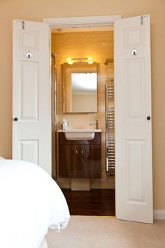 Wardrobe Becomes An En Suite The Owner Converted A Small Walk In Wardrobe