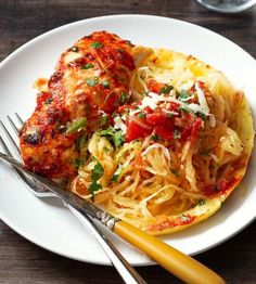 Quick and Delicious Keto Dinner Recipe Ideas & Cooking is Easy Now! Quick and Delicious Keto Dinner Recipe Ideas – Cooking is Easy Now!These recipe ideas for keto diet dinners can be ready in 30 minutes o Chicken Breast Recipes Healthy, Baked Chicken Breast, Chicken Breasts, Chicken Cutlets, Chicken Thighs, Cena Keto, Spaghetti Squash, Chicken Spaghetti, Spaghetti Sauce