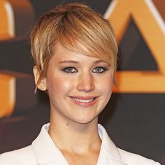Jennifer Lawrence Hair | Jennifer Lawrence's Short Hair on Catching Fire Red Carpet