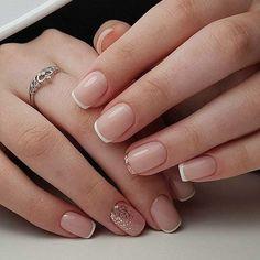 Semi-permanent varnish, false nails, patches: which manicure to choose? - My Nails Nail Polish, Gel Nails, Shellac Nails French, Acrylic Nails, French Manicures, Pink Nails, Subtle Nails, Bridal Nail Art, Bride Nails