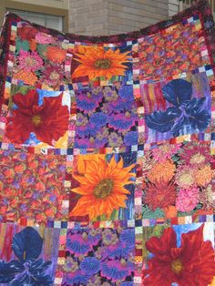 Bright, Beautiful Quilt with Shams