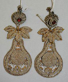 ca. 1810 Indian Gold and Pearl Earrings - Metropolitan Museum of Art