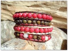 Bracciale Wrap   cuoio, pietre dure.  Realizzato a mano.    Handmade gemstone and leather Wrap bracelet.  High quality!
