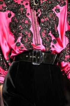 Designs in Hot Pink #Pink #DesignsinPink #PinkCouture #PinkFabrics #PinkHauteCouture #PinkTextiles #TelasRosadas #Rosado #VestidosRosados #RexFabrics #PinkFashion #PinkGowns #HotPink