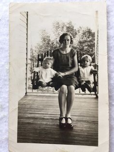 Vintage 1930s Photo Mother With Baby and Child On Front Porch Swing Black White  | eBay
