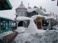 2 no. of Restaurants – 1. Snow View Revolving Bar & Restaurant. 2. Multi Cuisine Broadway Restaurant.  Contact http://www.snowkingretreat.com/about-us.php more know about us please visit our website :http://www.snowkingretreat.com/