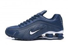 The Nike Shox is back and comes with updated technology with its already forward thinking style. These sneakers feature the latest Shox heel design with leather upper, mesh and foam cushioning. Nike Shox Nz, Mens Nike Shox, Nike Shox Shoes, Running Shoes For Men, Nike Men, Nike Running, Mens Running, Running Tips, Popular Nike Shoes