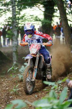 %TITTLE% -    Brive, FRANCE– FMF KTM Factory Racing Team's Taylor Robert enjoyed yet another impressive day at the 92nd running of the FIM International Six Days Enduro (ISDE) in Brive, France, despite slippery conditions after overnight rain. Maintaining his overall runner-up position, Taylor moved ahead... - http://acculength.com/dirt-bikes/isde-day-4.html