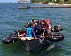 Balseros cubanos desafían la muerte y llegan a EEUU (VIDEO)  http://sunoticiero.com/index.php/internacional-not/61570-balseros-cubanos-desafian-la-muerte-y-llegan-a-eeuu-video… … pic.twitter.com/MIRApomsH9