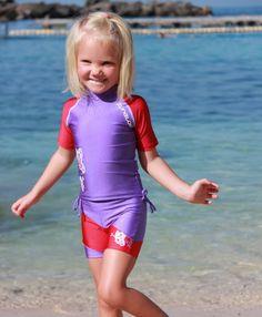 UV Shirt (kort) met shorts BUTTERFLY / Lila http://www.zonnepakje.nl/product/uv-shirt-kort-met-shorts-butterfly-lila/