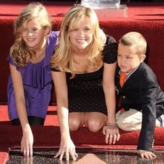 Pin for Later: Reese Witherspoon's Smile Will Put a Grin on Your Face, Too  Reese posed with her kids, Ava and Deacon Phillippe, as she received her star on the Hollywood Walk of Fame in LA in December 2010.