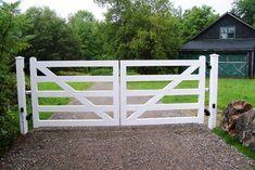 Wood 5-Rail Post and Rail Automated Driveway Gate