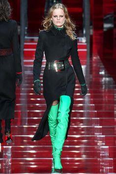 versace-fall-2015-emerald green boots | Fuzion Magazine