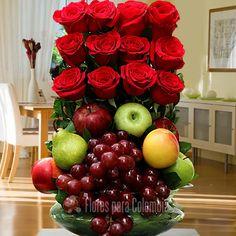 Rose Flower Arrangements, Fruit Arrangements, Flower Boxes, My Flower, Creative Gift Baskets, Valentine Baskets, Floral Bouquets, Ikebana, Flower Designs
