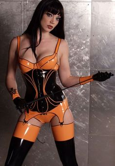 sexylatexmodels:   latex girls, latex catsuits girls from  latex blog.