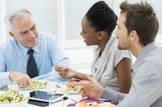 Economizar 20 minutos no almoço pode acabar com a sua produtividade durante a tarde