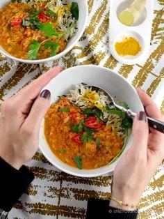 Einfaches veganes Linsen Dal mit roten Linsen - Stilettos & Sprouts