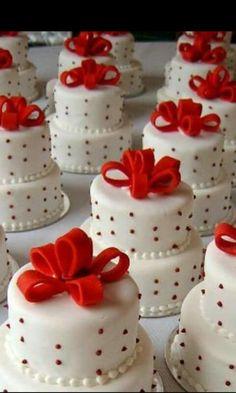 Minicakes blanco y rojo