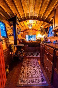 Gypsy Wagon Interior, Gypsy Caravan Interiors, Gypsy Living, Tiny House Living, Living Room, Gypsy Trailer, Tyni House, Gypsy Home, Casa Loft
