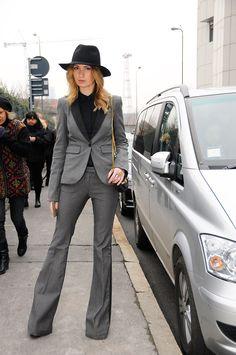 Looks para llevar a la oficina  Street style de Milán  FOTOGRAFÍA: SHOWBIT