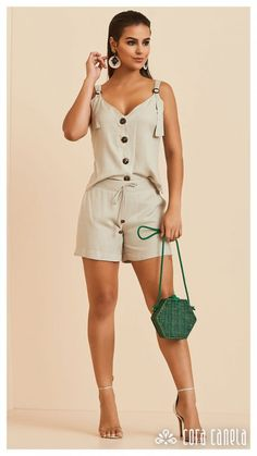 Your Style, Casual Shorts, Vogue, Rompers, Glamour, Boutique, Womens Fashion, How To Wear, Outfits