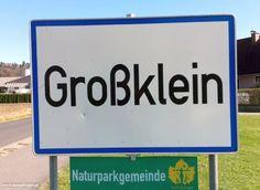 Meine Sammlung der lustigsten Ortsschilder Österreichs: witzige Ortstafeln, die mir auf meinen Fahrten durch Österreich unterkommen. #OrtsschilderLustig #ÖsterreichRoadtrip #WitzigeFotos #Witzige Bilder Signs, Funny Photos, Communities Unit, Funny Stuff, Places, Shop Signs, Sign